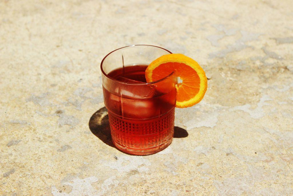 Vaso de trago de licor preparado
