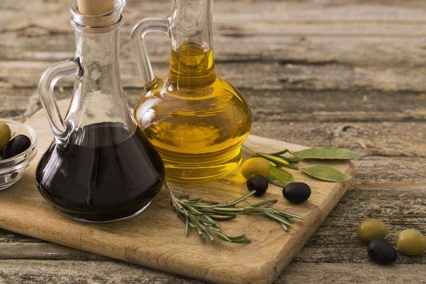 Vinagre y aceite de cocina