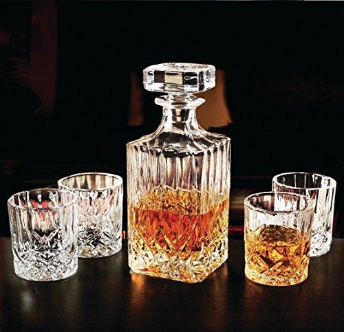 Circleware Wellfort - Juego de 5 decantadores de whisky, 1 botella dispensadora de bebidas con tapón cuadrado y 4 vasos a juego, 710 ml de jarra y tazas de 7,5 onzas, transparente